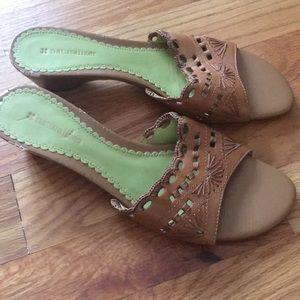 New Naturalizer sandals
